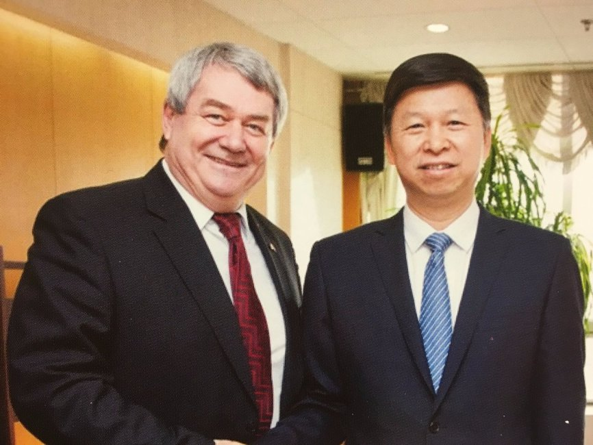 Czech Communist leader Vojtěch Filip with ILD head Song Tao in 2016. Source: PRC Embassy in Prague